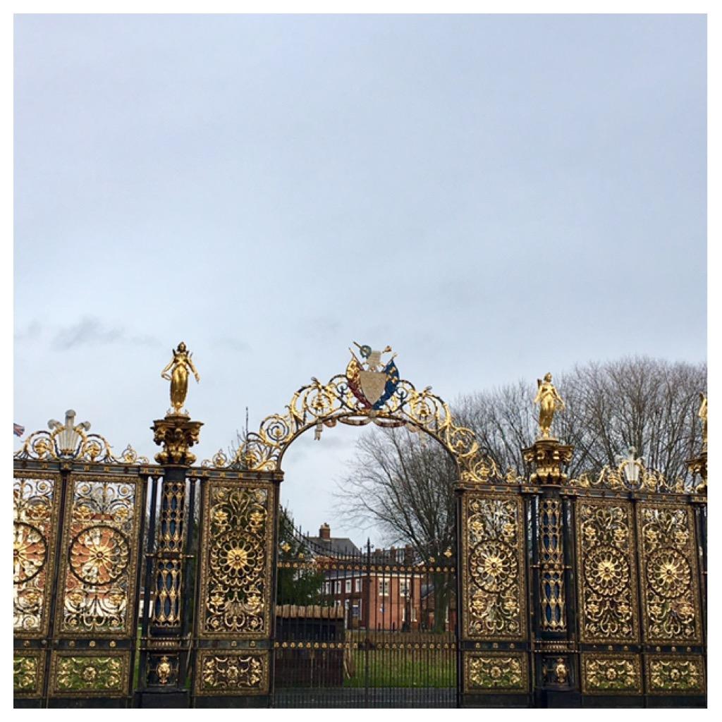 Puerta del ayuntamiento de Warrington Reino Unido